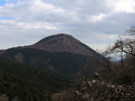 矢倉岳立派な山容