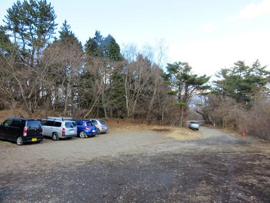 金時山登山口付近にある無料駐車場