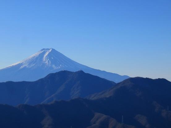 滝子山 寂ショウ尾根の全景