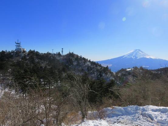 三ッ峠最高峰の開運山