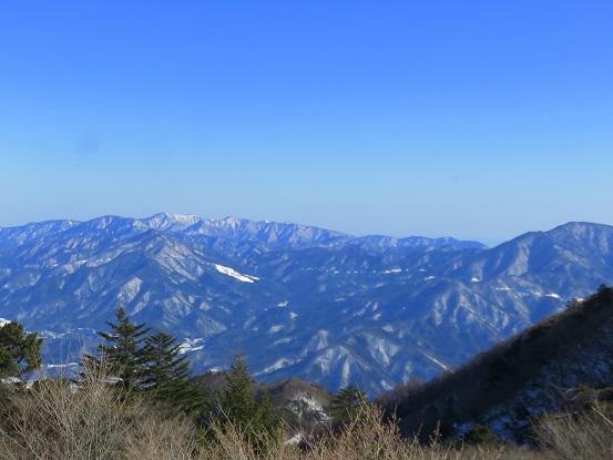 三ツ峠山から丹沢山塊