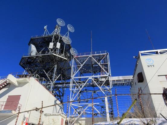 NTTの基地局開運山は目の前