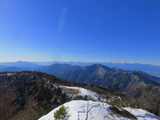 御坂山塊黒岳(標高1,792.7)