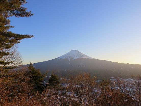 カチカチ山夕日に染まる富士山
