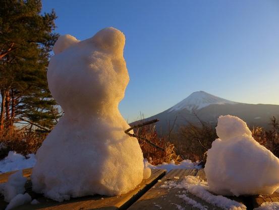 富士見台雪ダルマ