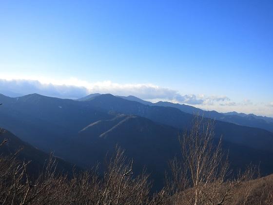 和名倉山周辺奥秩父の山並み