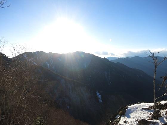 和名倉山方面から見る唐松尾山絶景