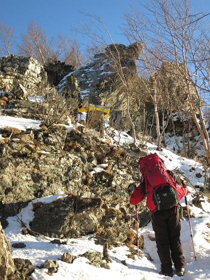 吹上ノ頭までは、雪と岩のミック地帯