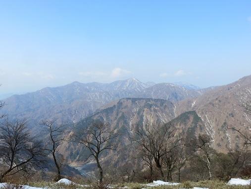 塔ノ岳~丹沢山間の景色