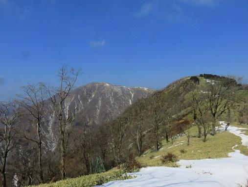 塔ノ岳付近から見る蛭ヶ岳遠い
