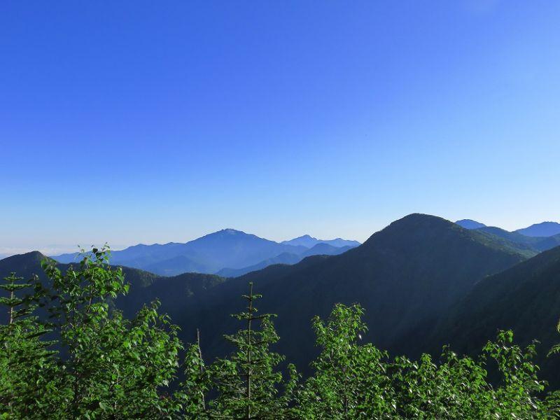 南アルプスの山並