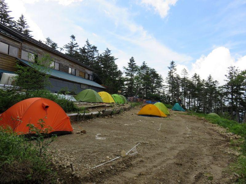 三伏峠小屋のテント場