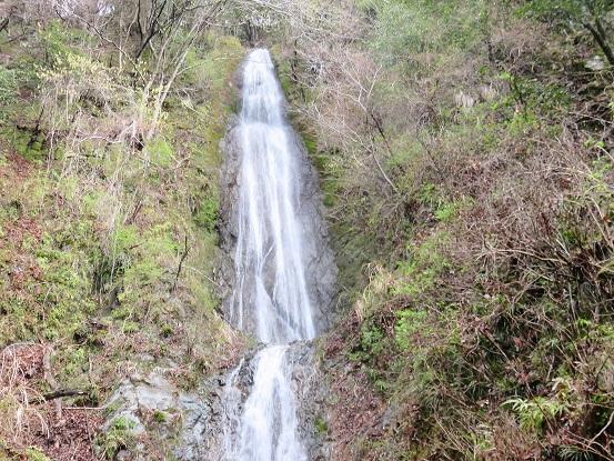 お目当てのボウズクリの滝