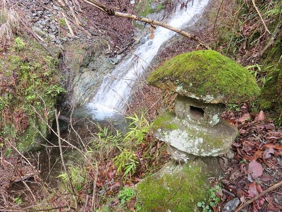 ボウズクリの滝は、丹沢の滝の中では行きやすい場所