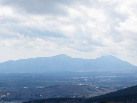 三国ハイキングコースからの愛鷹山の景色