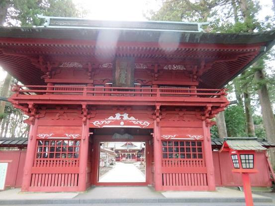 東口本宮冨士浅間神社の門