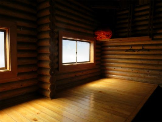 鷹ノ巣山避難小屋中も綺麗で広い