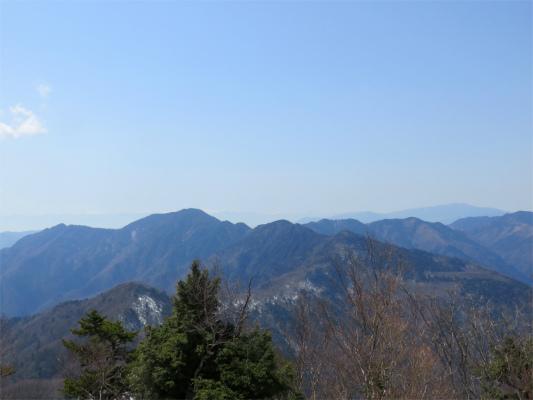 雲取山の山頂からの景色