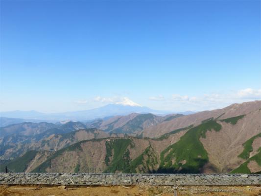 三ノ塔の山頂からの富士山の景色