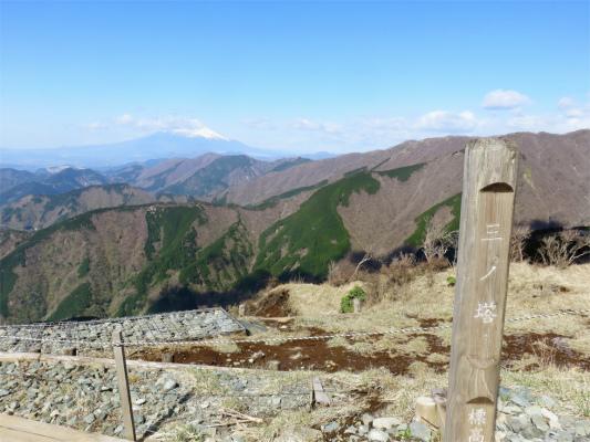 三ノ塔と富士山のコラボ