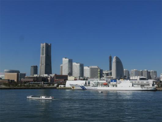横浜大桟橋からの横浜の景色