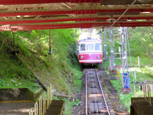 極楽橋駅高野山へ至るケーブルカー