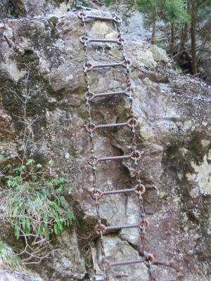 鎖の梯子アップ