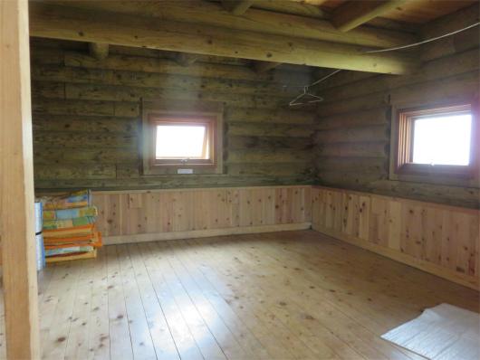 行者還避難小屋の内部