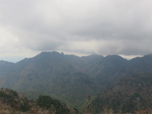 大普賢岳山頂からの八経ヶ岳方面の景色