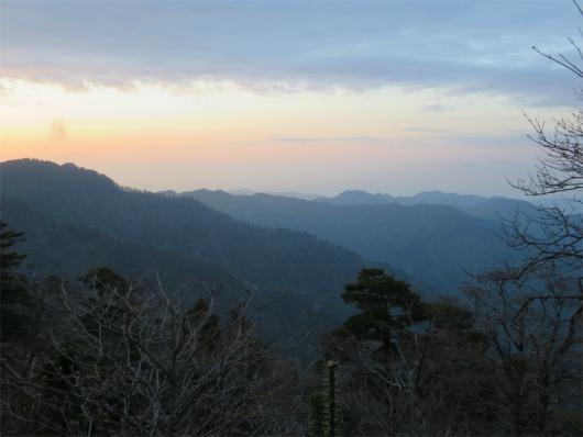 山上ヶ岳方面の夕日