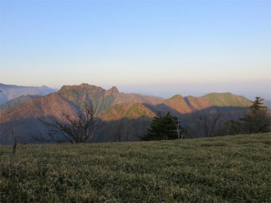 稲村ヶ岳の稜線