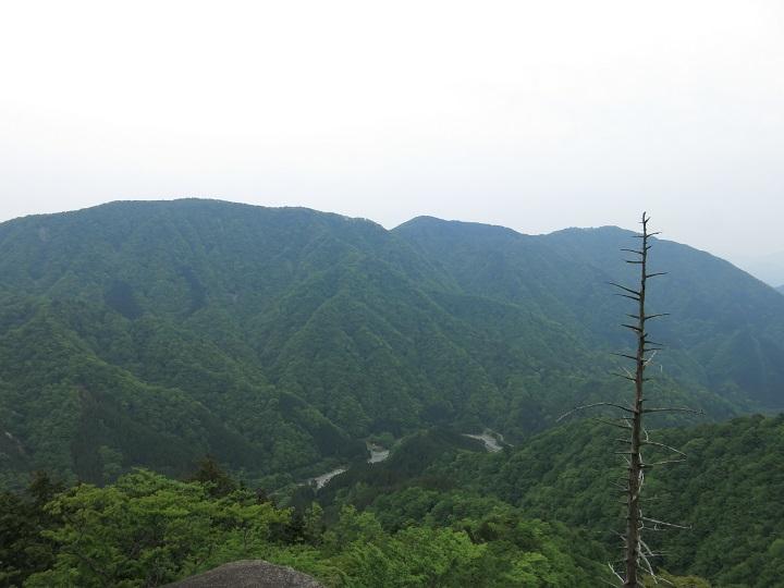 雨山・檜岳が鎮座する檜岳山稜