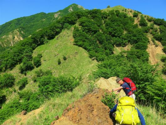 中倉山険しいルート