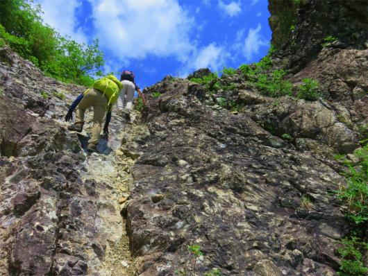 ローソク岩岩登り