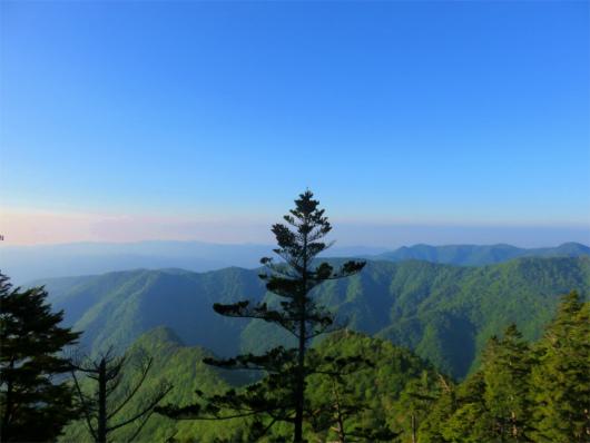 皇海山周辺山並み