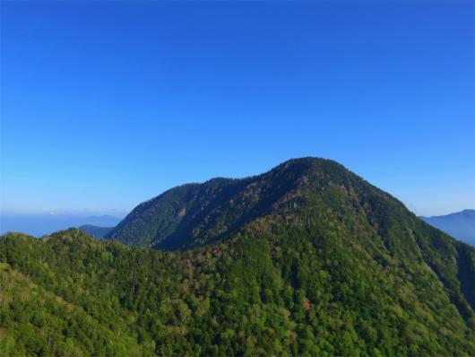 皇海山の山頂直下の急登