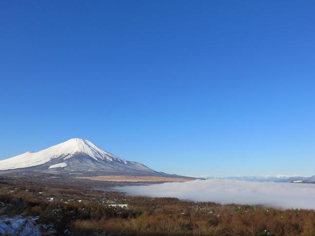 富士山山中湖上に雲海チックな雲