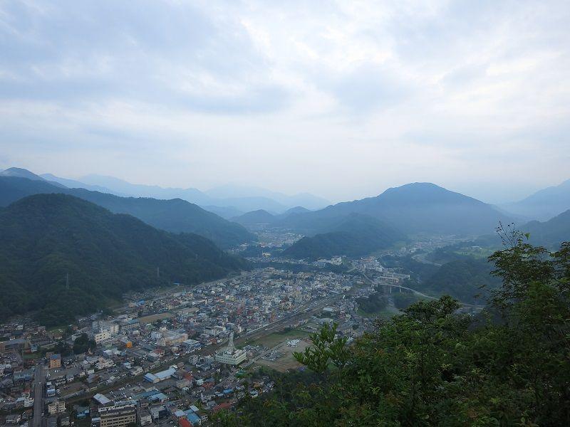 岩殿山の山頂から富士山方面景色