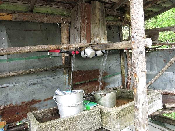 鳳凰小屋の水場