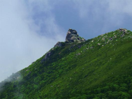 金峰山の五丈石近い