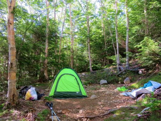 大日小屋のテント場