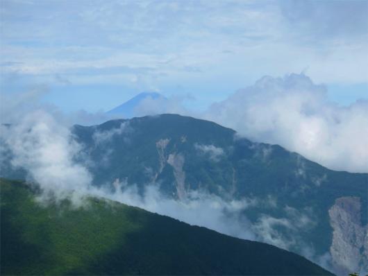 茶臼小屋から富士山