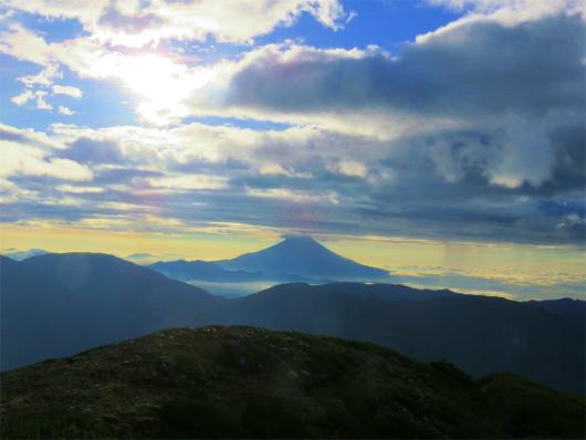 雲が多目富士山