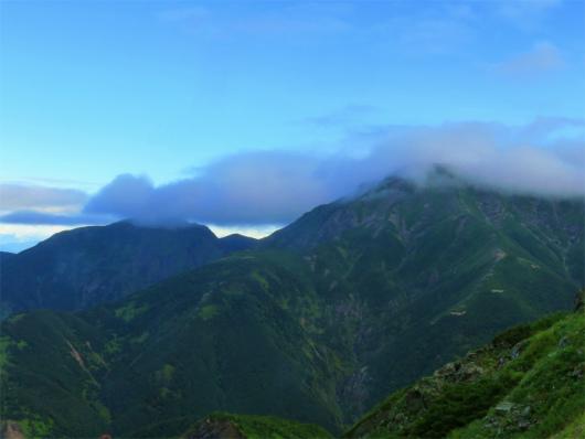聖岳山頂の雲