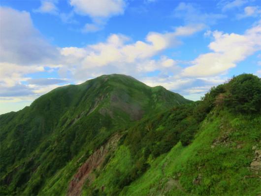 聖岳の山頂から雲がなくなった