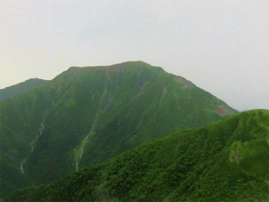威風堂々としている聖岳