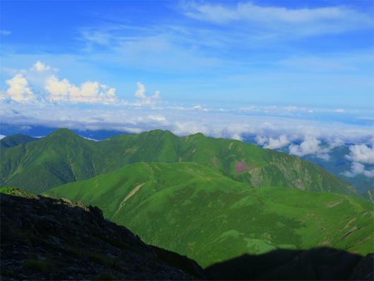 兎岳~中盛丸山の稜線