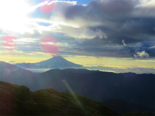 上河内岳日の出と富士山