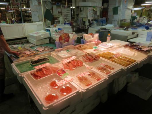 生マグロ海老やイクラ、鮭