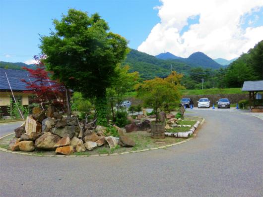 増冨の湯バス停付近